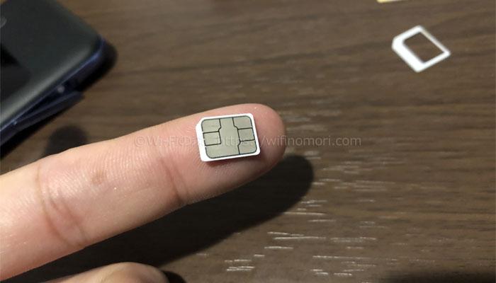 SIMカードは1番小さいサイズに切り取る