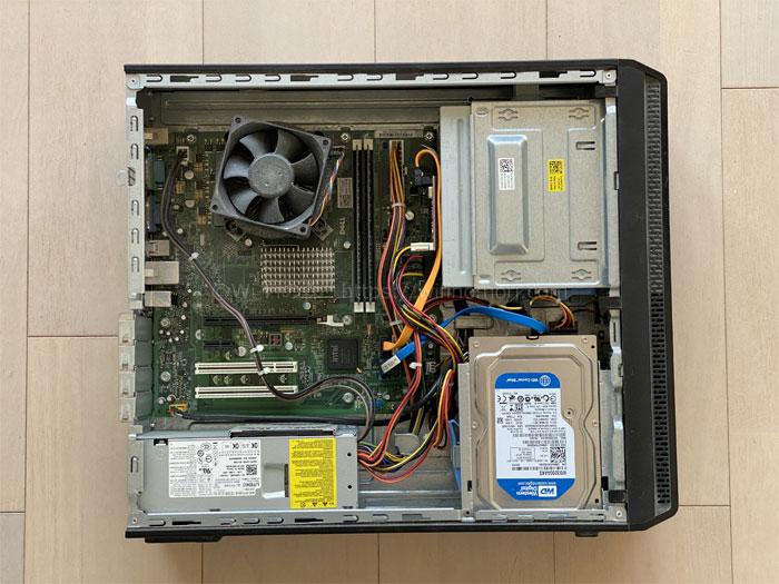 デスクトップパソコンを開ける