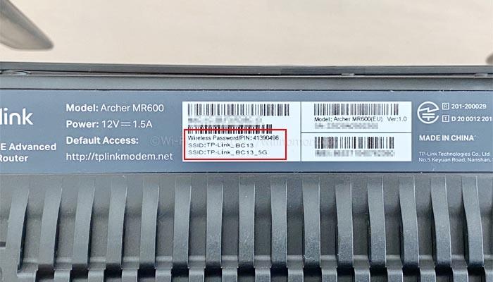 MR600のSSIDと接続パスワード