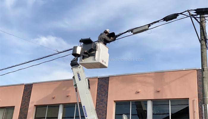 光回線をクロージャに接続する