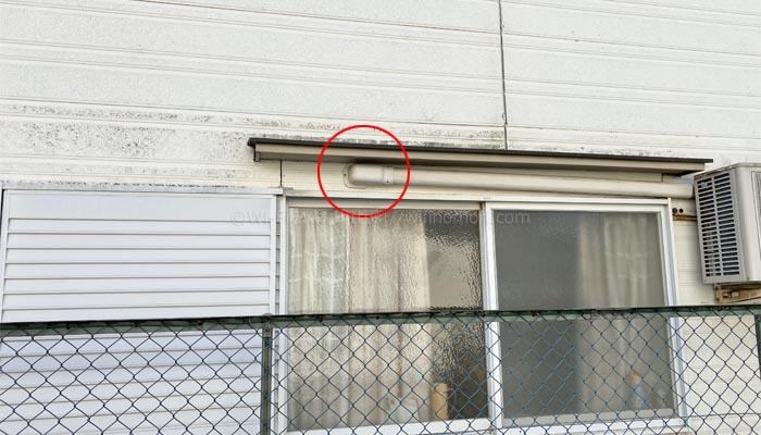エアコンダクトを利用して光回線を家の中へ引き込む