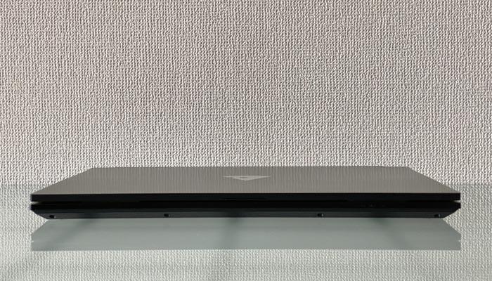mouse K5の外観 パネル閉じた状態の厚み